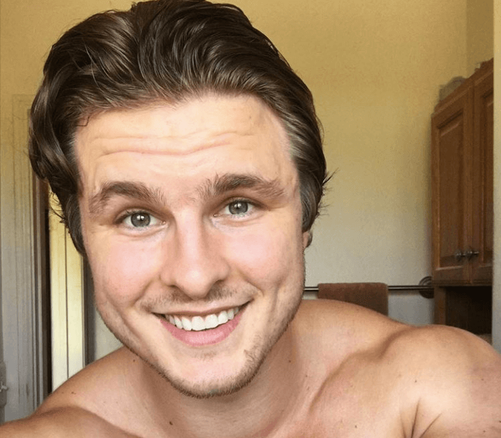 This Bodybuilder's Vegan Journey Cleared Up His Skin